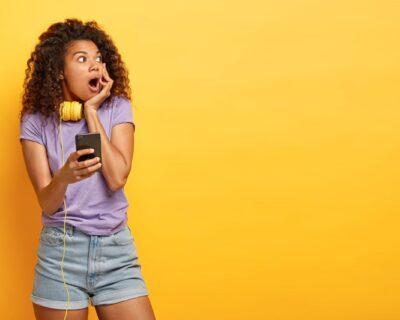 La Radio FM sparisce dagli smartphone degli italiani