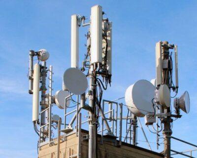 L'Italia pronta ad alzare i limiti elettromagnetici delle antenne da 6 V/m a 61 V/m